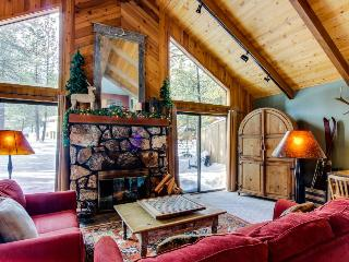 Dog-friendly home close to town w/ forest views & SHARC access - Sunriver vacation rentals