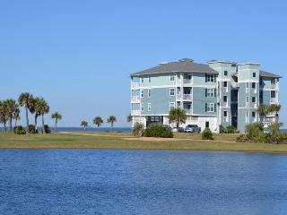 Waterfront 2BR Spectacular View - Kayaks Included - Galveston vacation rentals