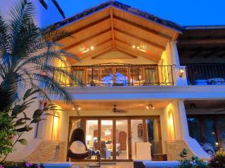 Spectacular Beachfront Villa on Flamingo Beach! - Playa Flamingo vacation rentals