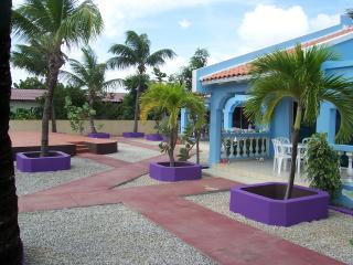 Blue Bonaire Apts small studio.1 Pers. $53 /Night. - Kralendijk vacation rentals