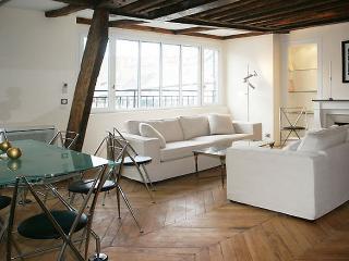 Opera 4 Bedroom with A/C Balcony (4526) - Paris vacation rentals