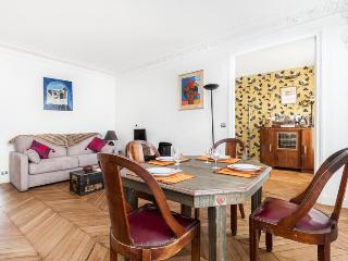 onefinestay - Rue d'Amsterdam apartment - Paris vacation rentals