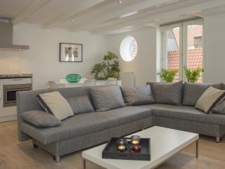 Kathirat Apartment - Central Station - Amsterdam vacation rentals