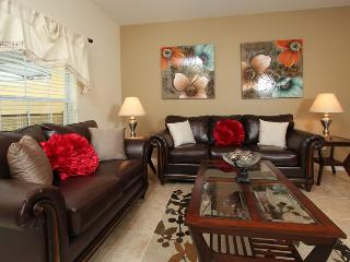 Perfect vacation townhome in Paradise Palms 4/3 - Kissimmee vacation rentals