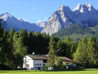 LLAG Luxury Vacation Apartment in Garmisch-Partenkirchen - 1023 sqft, peaceful, modern, quiet (# 4878) - Garmisch-Partenkirchen vacation rentals