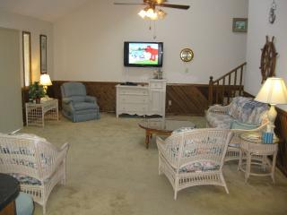 Nice Cottage with Dishwasher and A/C - Ocean Isle Beach vacation rentals