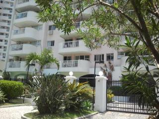 Cozy Condo with Internet Access and Satellite Or Cable TV - Rio de Janeiro vacation rentals