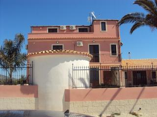 4 bedroom Bed and Breakfast with Internet Access in Agrigento - Agrigento vacation rentals