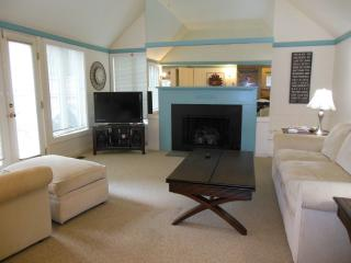 Affordable Luxury - A1 Setting - 3bd/2ba $2,200/wk - New Seabury vacation rentals