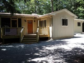 Gorgeous Lake Naomi Mountain Retreat - Pocono Pines vacation rentals