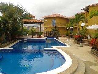 Isla Margarita, Playa el Agua, holiday suite / apartamento vacacional  Villa Mediterranea conjunto residencial - Margarita Island vacation rentals