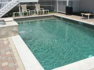 2 Bed 2 Bath Condo Steps to Pool & Parking Luxury - South Padre Island vacation rentals