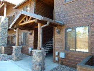Bison Ridge Condo with Cabin Theme and Spectacular Views - Show Low vacation rentals