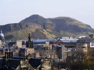 Close to Universtiy and Centre - Edinburgh vacation rentals