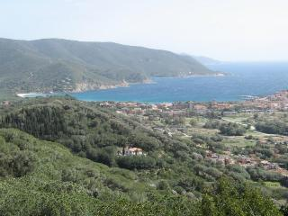 Beautiful Condo with Television and Balcony - Campo nell'Elba vacation rentals