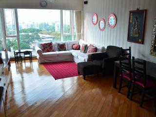 Perfect Condo with Internet Access and A/C - Hong Kong vacation rentals