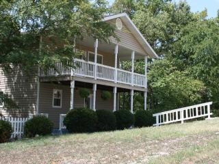 Serenity Hilltop Retreat--Family Friendly - Eureka Springs vacation rentals