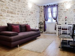 Split Strict Centre - Apartment Peristil Cardo - Split vacation rentals