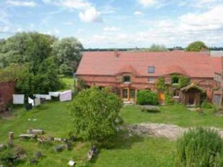 Vacation Apartment in Angermünde - 398 sqft, countryside, quiet, comfortable (# 4893) - Brandenburg vacation rentals
