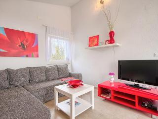 Comfortable and fully equipped Red apartment in very quiet part of Premantura / Istria - Premantura vacation rentals