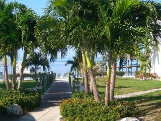 "Upperkeys ""The Getaway"" Relax in Florida Keys! - Islamorada vacation rentals"