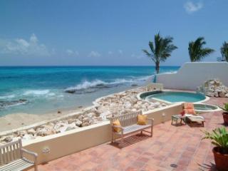 Classy 5 Bedroom Villa in Pelican Bay - Pelican Key vacation rentals