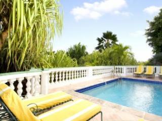 Brilliant 3 Bedroom Hillside Villa overlooking Orient Bay - Orient Bay vacation rentals