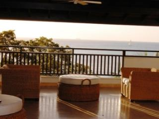 3 Bedroom Beachfront Penthouse in Paynes Bay - Paynes Bay vacation rentals