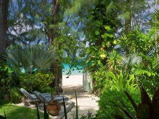 4 Bedroom Waterfront Villa in Paynes Bay - Paynes Bay vacation rentals