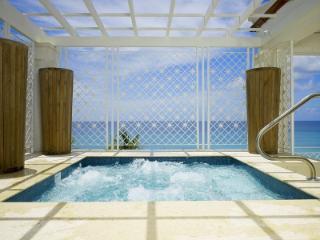 Elegant 4 Bedroom Penthouse in Paynes Bay - Paynes Bay vacation rentals
