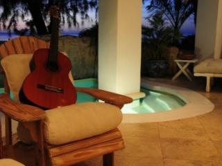 Exquisite 2 Bedroom Apartment in Paynes Bay - Paynes Bay vacation rentals