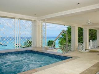Classy 4 Bedroom Beachfront Apartment in Paynes Bay - Paynes Bay vacation rentals