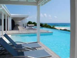 4 Bedroom Villa with Pool in Blowing Point - Blowing Point vacation rentals