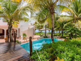 Elegant 3 Bedroom Villa and Cottage in Forest Bay - Forest Bay vacation rentals