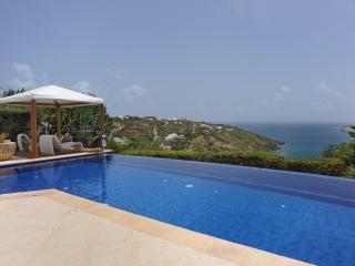 Sensational 3 Bedroom Villa Overlooking the Ocean in Marigot - Marigot vacation rentals