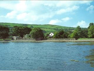 Beautiful 2 bedroom Durrus House with Central Heating - Durrus vacation rentals