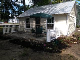 Van Huis Cottage #2 - Moran vacation rentals