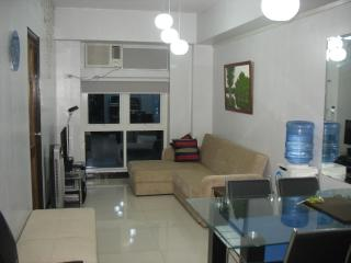New Condo w/ WiFi Kitchen Gym in Eastwood City - Pasay vacation rentals