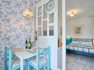 Comfortable and fully equipped Blue studio in very quiet part of Premantura / Istria - Premantura vacation rentals