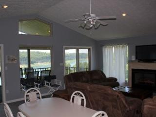 4 bedroom House with Internet Access in Bronston - Bronston vacation rentals
