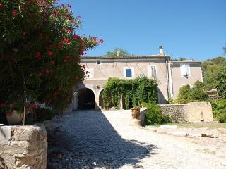 Gite Mas de Coste - la Ferme - Nîmes vacation rentals