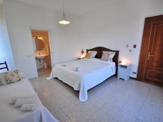 Nice 3 bedroom B&B in Maslianico - Maslianico vacation rentals