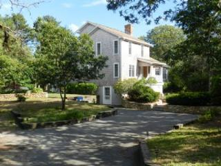 Walk to Sengie from this Spacious EDG Home! - Edgartown vacation rentals