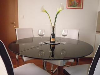 Apartment Oliva Allegra with own garage - Split vacation rentals