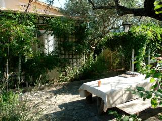 Provence - Independent house - garden downtown - Paris vacation rentals
