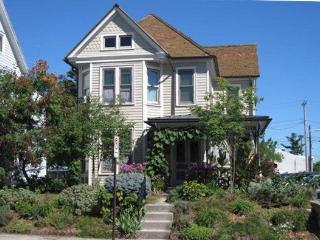Lovely Victorian, 3 bedrooms, 2.5 bathrooms - Gettysburg vacation rentals