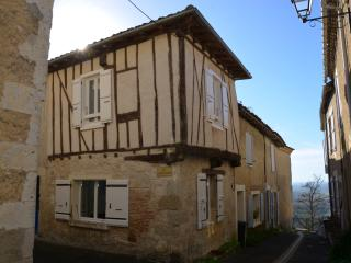 Welcome in Lactora ! - Charming little town house - Saint-Clar vacation rentals
