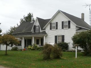 Perfect 3 bedroom House in Prince Edward County with A/C - Prince Edward County vacation rentals