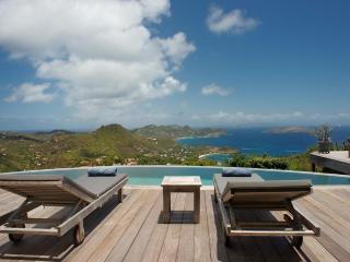 Beautiful 3 Bedroom Villa in Petite Saline - Marigot vacation rentals