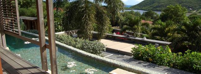 Extraordinary 3 Bedroom Villa in Salines - Lorient vacation rentals